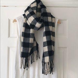 Buffalo Check plaid scarf, super soft